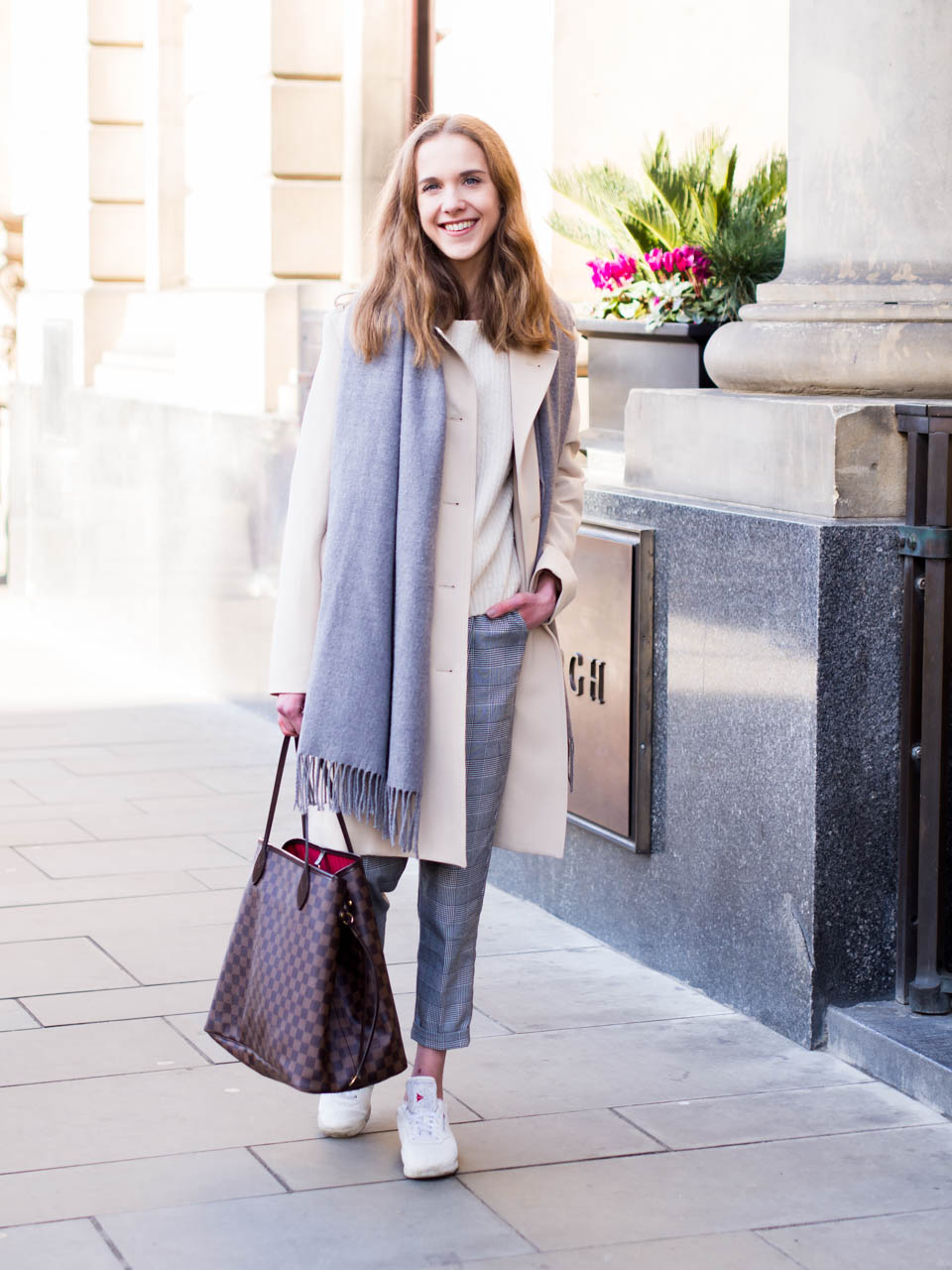 how-to-manage-stress-and-transitional-spring-outfit-with-trench-coat
