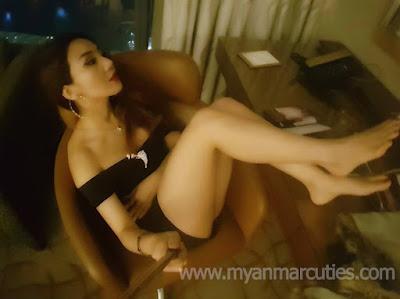 Nang Thiri Mg Take A Rest At Marina Bay Singapore