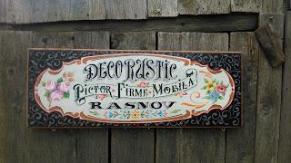 firme pictate pe lemn