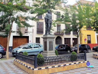Sevilla - Plaza de los Refinadores - Monumento a Don Juan 03