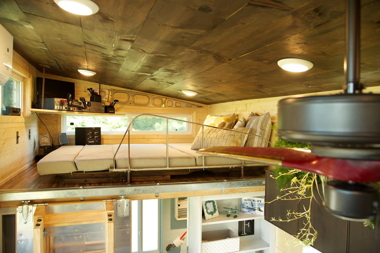 Tiny house town the aviation tiny house 315 sq ft for Tiny house nation where are they now