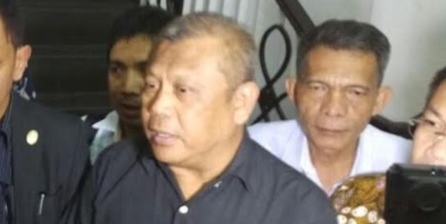 Boss First Travel Didesak Eddy Sudjana utk Tunjukkan Uang Jemaah