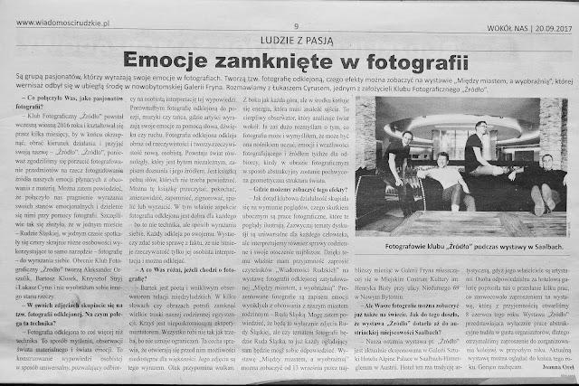 """O wystawie fotografii odklejonej pt. """"Między miastem a wyobraźnią"""" Klubu Fotograficznego """"Źródło"""" w Wiadomościach Rudzkich i SferaTV"""