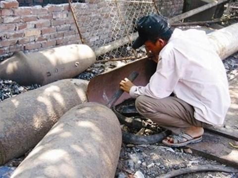 Quảng Ngãi: Phá bom lấy thuốc nổ, một người đàn ông tử vong