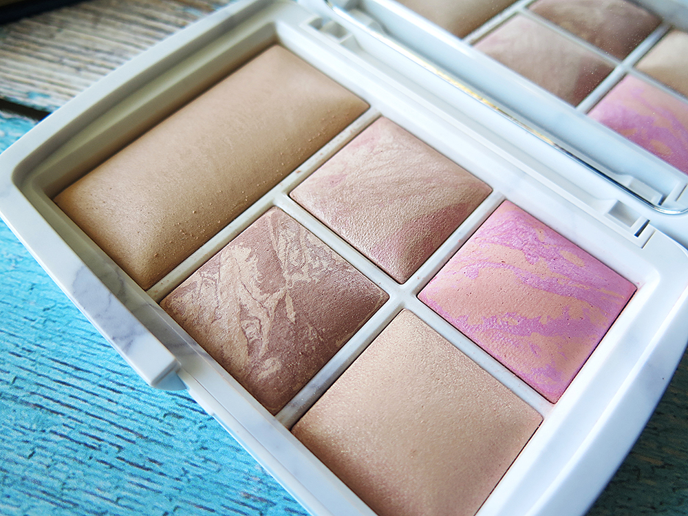 Monday Post | Hourglass, Ambient Lighting Edit - Surreal Light
