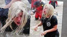 Lady Gaga plonge dans les eaux glacées à Chicago