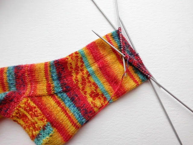 Sock knitting for beginners: Sockalong - foot on DPNs