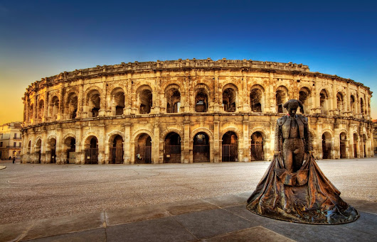 Arenes de Nîmes, Colloseum from France | Travelrin