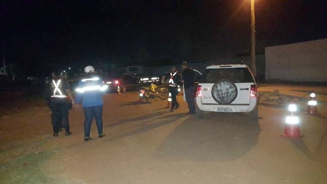 Blitz da Lei seca autua um motorista e remove seis veículos, em Guajará-Mirim