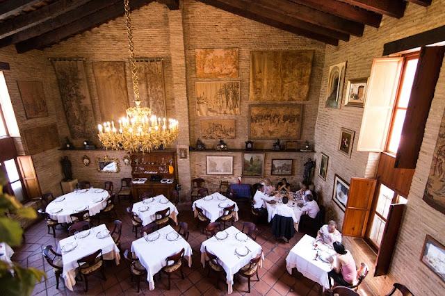 Salón principal del restaurante lluna de Valencia