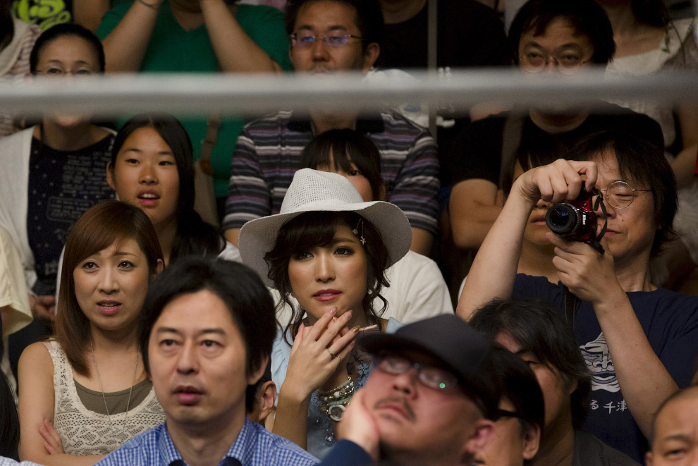 Женский реслинг в Японии (12 фото)