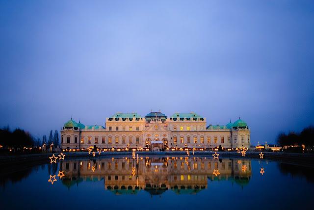 Austria belvedre Vienna night