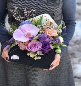 K'Mich Weddings - wedding planning - love letter floral design - envelope flowers