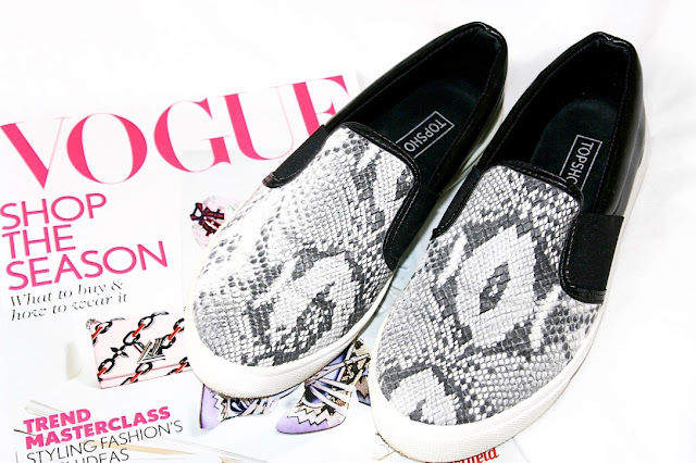 Katherine Penney Chic Blogger Haul Clothes Fashion Style slip ons shoes snake print monochrome