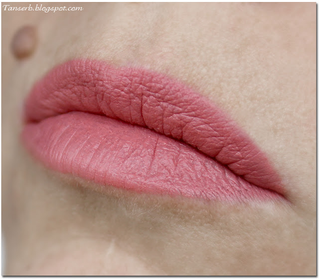 Golden Rose Velvet Matte Lipstick # 26