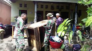 Banjir Dadakan, Kodim 1615/Lotim Turun Bantu Masyarakat.