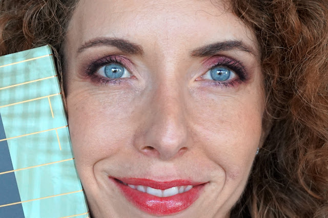 maquillage pourpre rouge avec la palette offline de zoeva