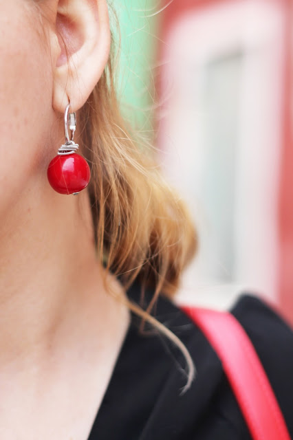 Beautiful Italian earrings made from Murano glass | www.fashamorphosis.blogspot.com