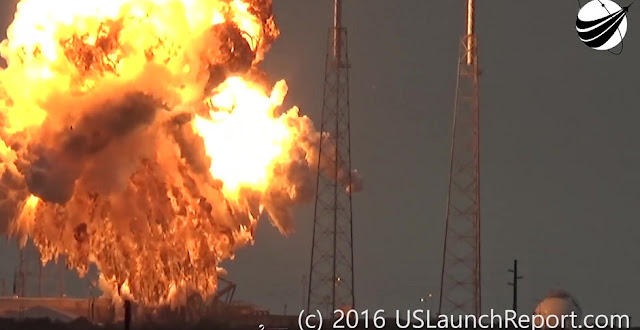 SpaceX Falcon 9 with Amos 6 Explodes at SLC-40. Credit: USLaunchReport.com
