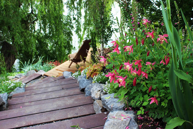 gradina terasare, stabilizare sol, tazulare teren in panta, proiect gradina in panta, zid de sprijin, trepte din lemn
