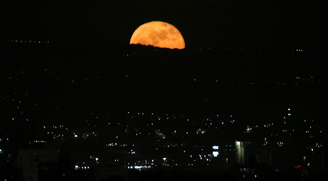 moonrise 4-Dec-2017