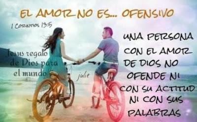 Imagen con una pareja de la mano y frases cristianas
