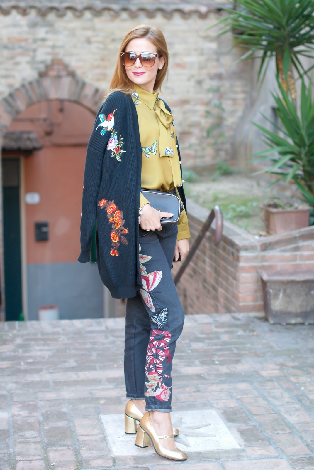 Gucci style Dezzal cardigan, Gucci satin shirt and golden Giovanni Fabiani Mary Jane on Fashion and Cookies fashion blog, fashion blogger style