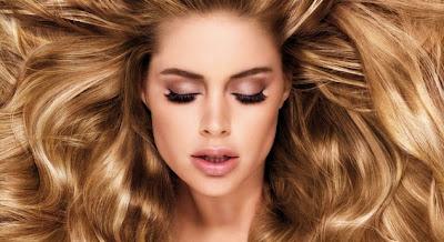El spray para los cabellos de la caída y para el crecimiento las revocaciones buenas