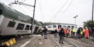 3 killed, dozens injured after train derails near Milan