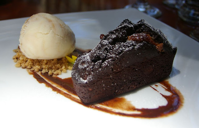 Black Spur Inn, Narbethong, chocolate brownie
