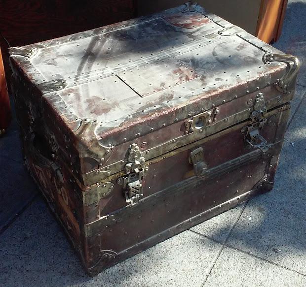 Uhuru Furniture & Collectibles Sold #6502 Mini Steamer