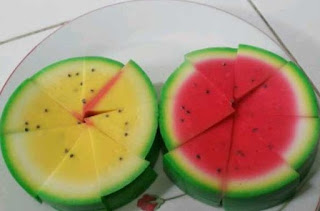 Foto Puding Semangka Utuh Kuning Merah
