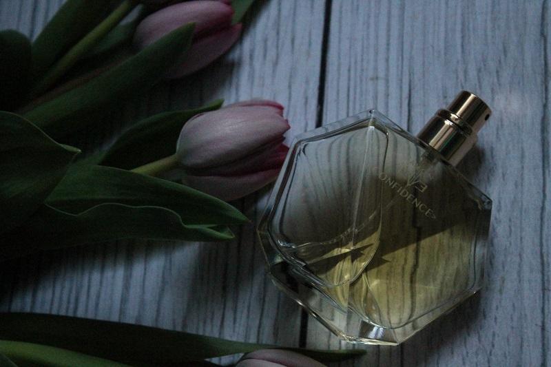 avon eve confidence perfumy