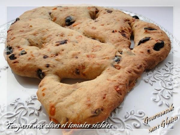 http://gourmandesansgluten.blogspot.fr/2014/06/fougasse-sans-gluten-aux-olives-et.html