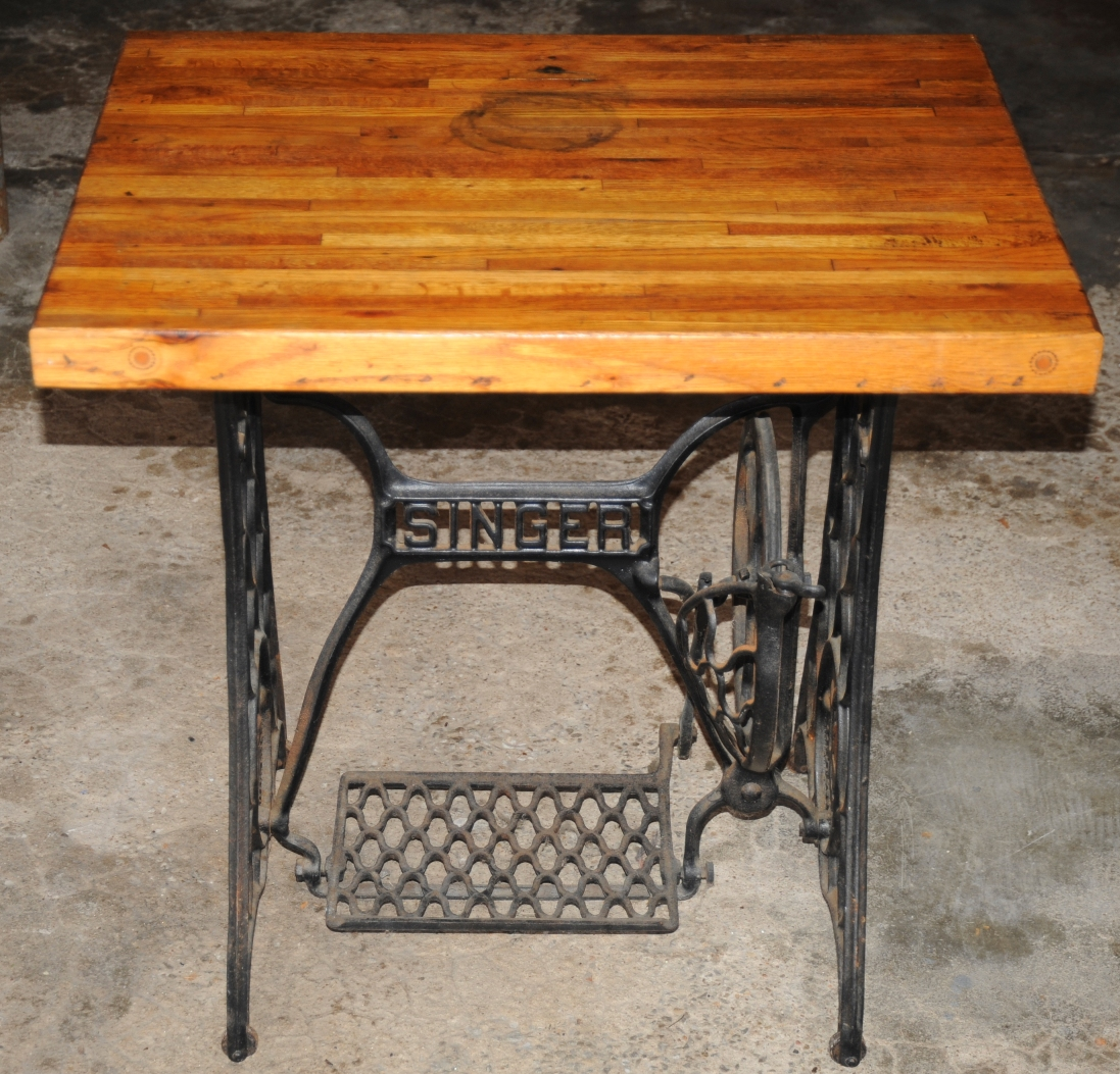 rhino 39 s relics sold antique singer sewing machine base with hardwood table. Black Bedroom Furniture Sets. Home Design Ideas
