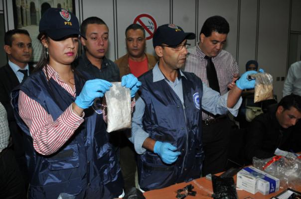 توقيف بيروفية وبحوزتها حوالي 3 كلغ ونصف من الكوكايين بمطار الدار البيضاء