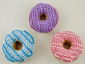 http://blog.bichus.es/2014/07/pequenos-donuts-amigurumi.html
