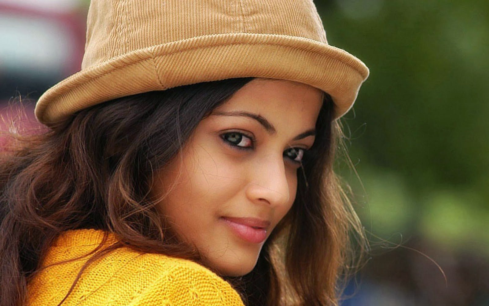 Sneha Ullal Hot Pictures - High Resolution Pictures-1537