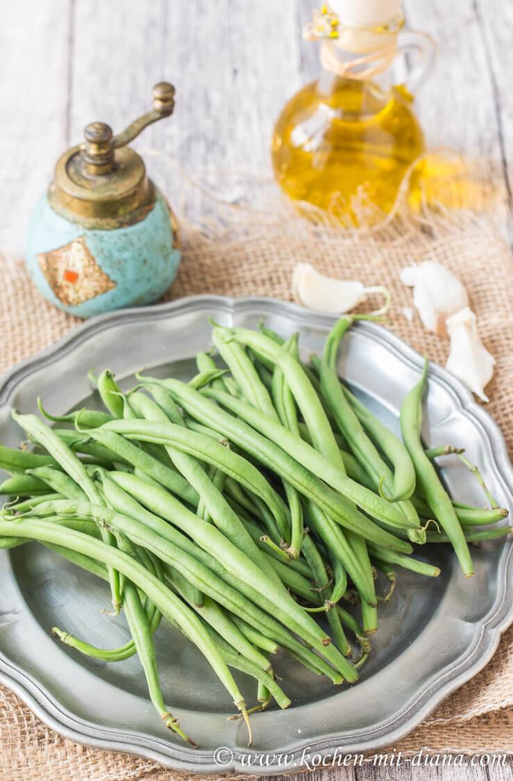 Zutaten grüne Bohnen mit Knoblauch