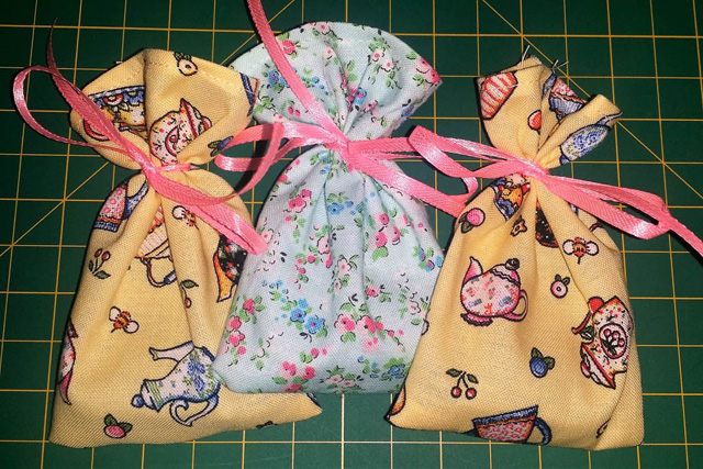 Learn how to make teabag pouches. Easy tutorial by Days Filled With Joy