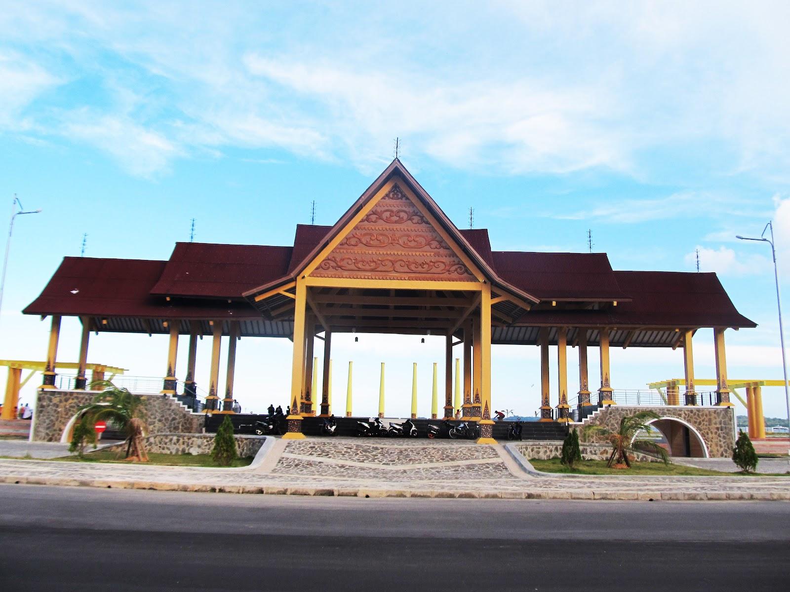 Coastal Area Duduk Santai Menikmati Senja Capchai