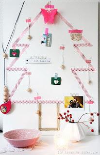 albero di natale con washi tape e decorazioni natalizie