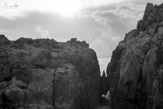 Khám phá khe núi có một không hai ở Phú Yên tại Gành Đèn, Tuy An