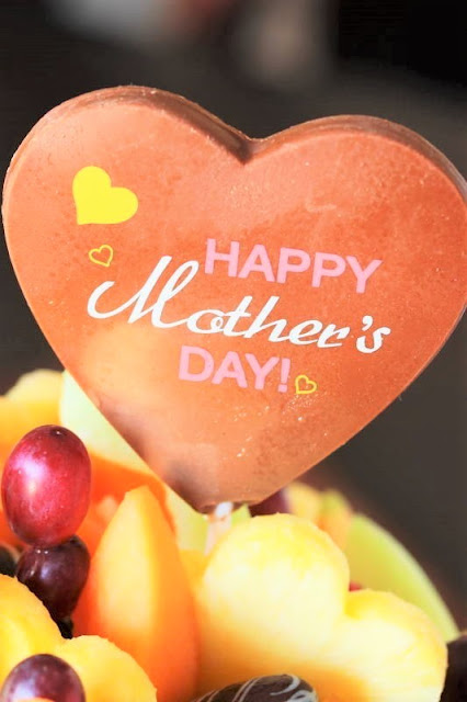 "Edible Arrangements® Mother's Day Swizzle Bouquet® Belgium chocolate ""Happy Mother's Day"" pop"