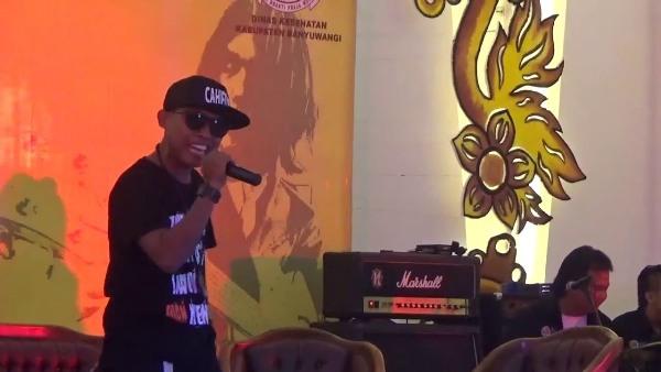 Lirik Lagu Ra Kuat Mbok - Arief Citenx