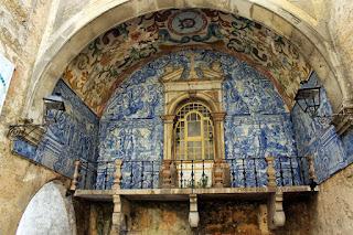 Matéria sobre Óbidos, Portugal, no blog  'lugares de memória'