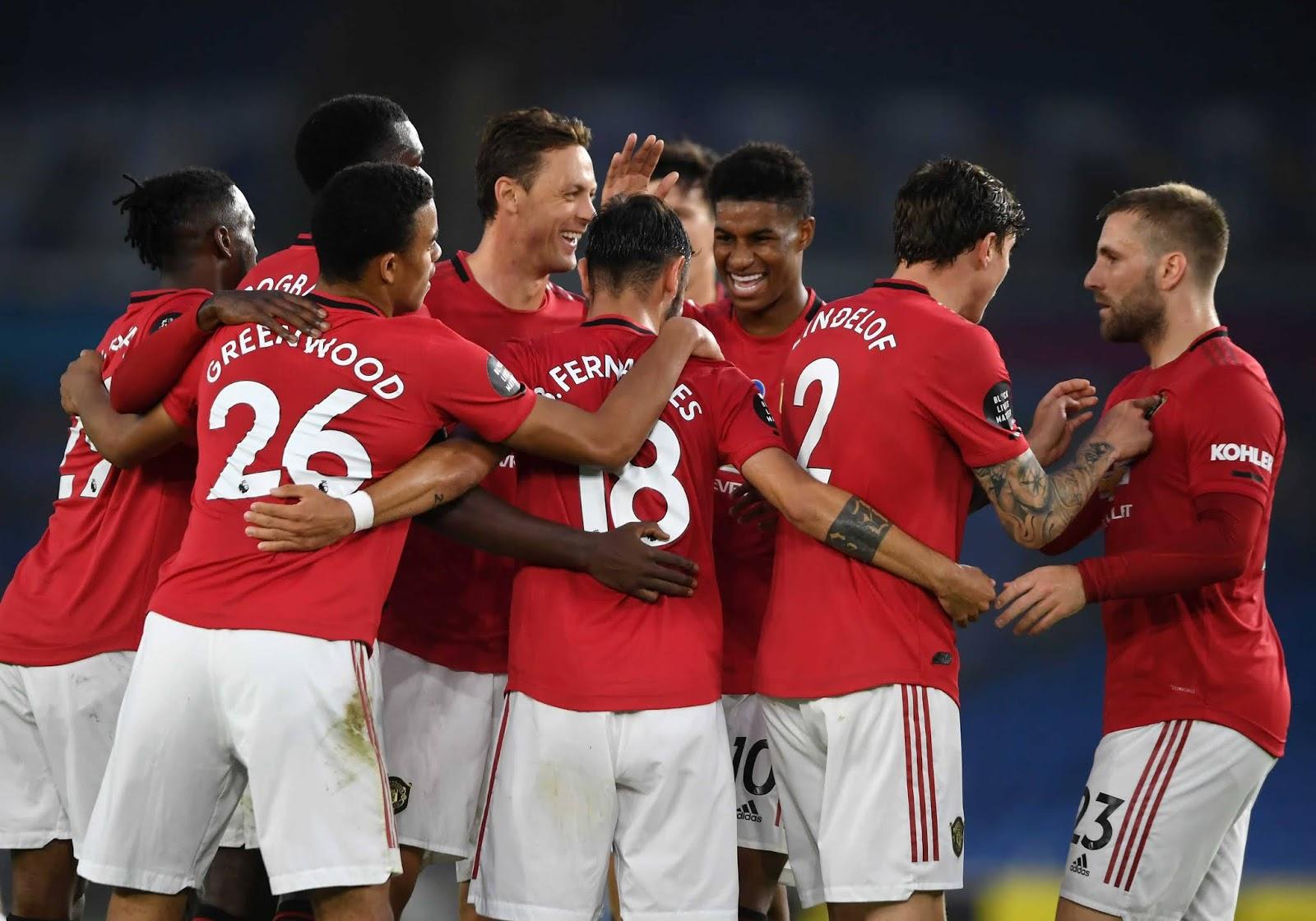 Manchester United goleó a Brighton en su pelea por la clasificación a Liga de Campeones