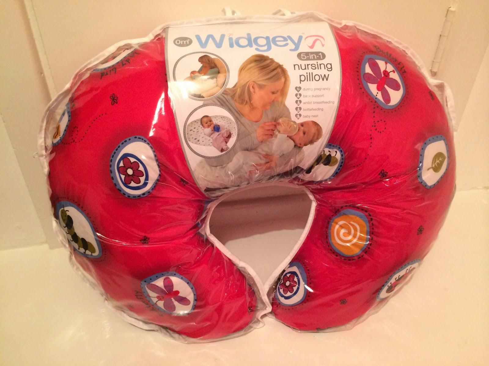 The Knott Bump Amp Us Tested Tuesday Widgey Nursing Pillow