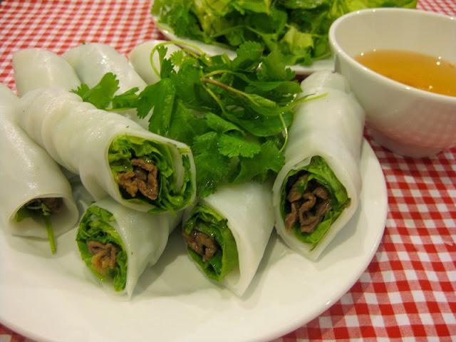 Top 8 junk food streets in Hanoi 5
