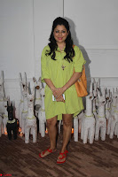 Sonam Kapoor Soha Ali Khan Konkona Sharma at Raw Mango store launch March 2017 052.JPG